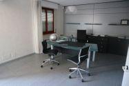 Immagine n1 - Uffici, magazzino e garage. Lotto unico - Asta 2297
