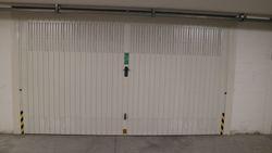 In car garage  Sub     - Lot 2395 (Auction 2395)