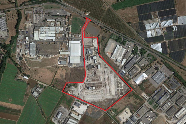 #2479 Complesso industriale con abitazione