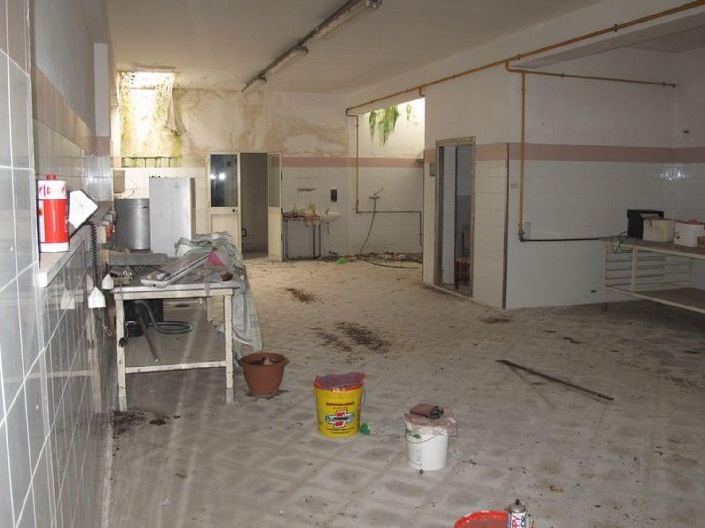 #2538 Laboratorio artigianale al piano interrato in vendita - foto 2