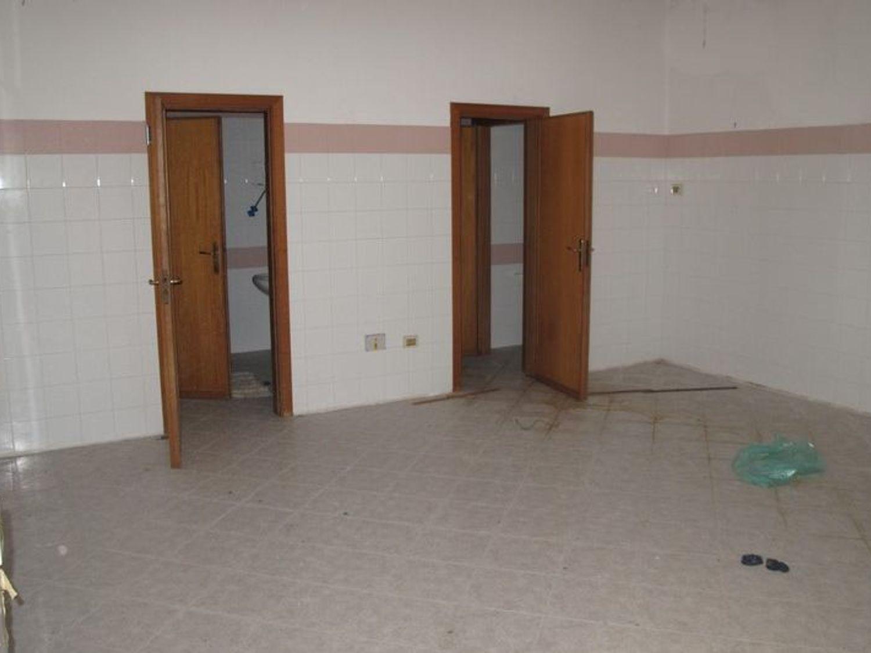 #2538 Laboratorio artigianale al piano interrato in vendita - foto 3