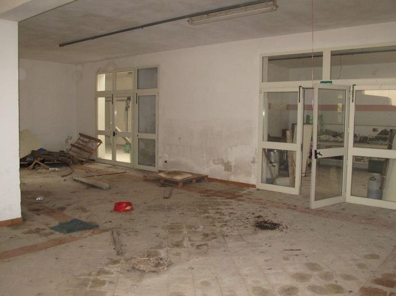 #2538 Laboratorio artigianale al piano interrato in vendita - foto 4