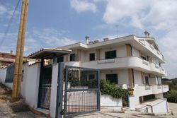Duplex Apartment   Sat   th - Lot 2585 (Auction 2585)