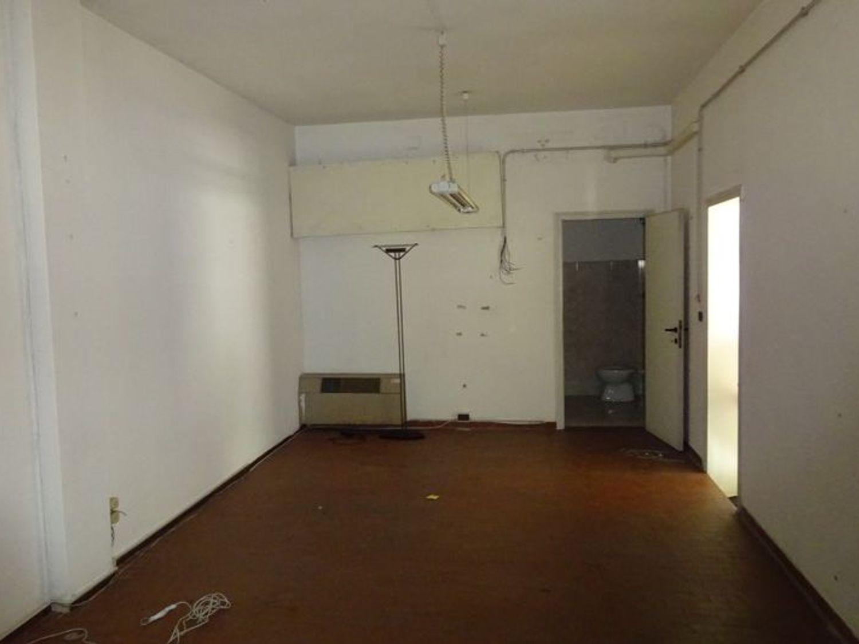 Immagine n. 3 - #2653 Laboratorio e magazzino in zona marittima