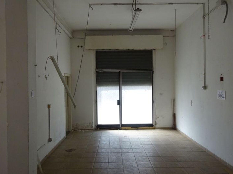 Immagine n. 5 - #2653 Laboratorio e magazzino in zona marittima