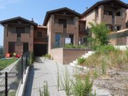 Immagine n0 - Casa a schiera su due piani, con garage - Asta 268