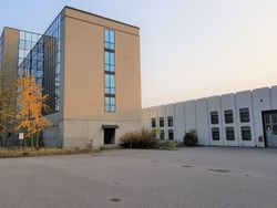 Office building with large production facility - Lot 2687 (Auction 2687)