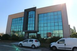 Magazzino, uffici e abitazione in complesso polifunzionale - Lotto 2831 (Asta 2831)