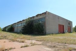 Industrial building with courtyard and surrounding land - Lote 2832 (Subasta 2832)