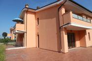 Immagine n1 - Appartamento con giardino, garage e cantina (sub 28) - Asta 2884