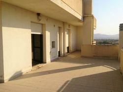 OPE in LCA - Appartamento con terrazzo e lastrico solare