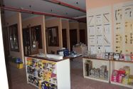 Immagine n2 - Portion of shed with exhibition area - Asta 3293