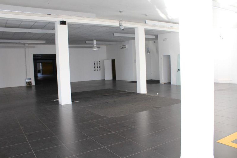 #3356 Fabbricato commerciale con uffici ed area esposizione in vendita - foto 8