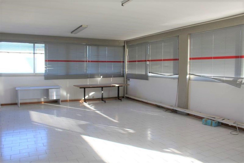#3356 Fabbricato commerciale con uffici ed area esposizione in vendita - foto 12