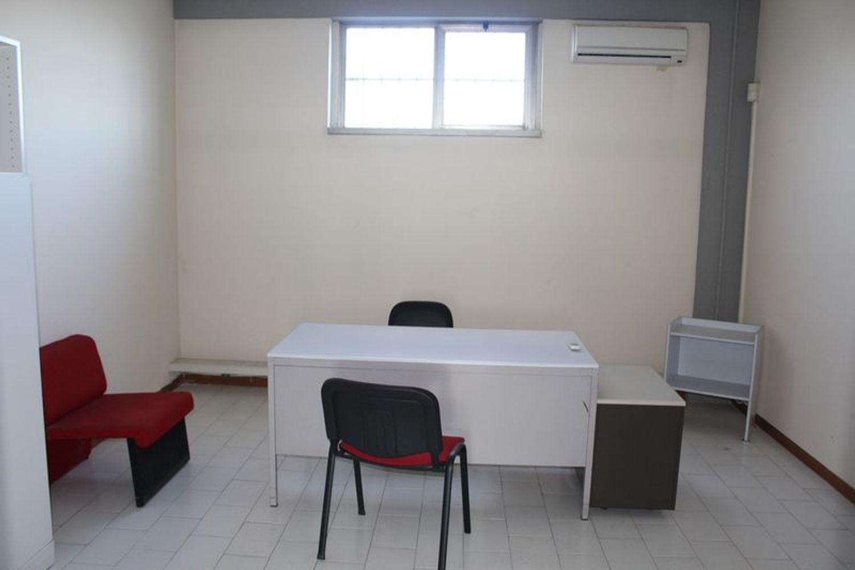 #3356 Fabbricato commerciale con uffici ed area esposizione in vendita - foto 14