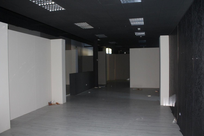 #3356 Fabbricato commerciale con uffici ed area esposizione in vendita - foto 22