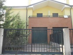 Semidetached house on two floors. Lot   - Lot 341 (Auction 341)