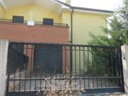 Immagine n0 - Casa binata su due piani. Lotto 7 - Asta 343
