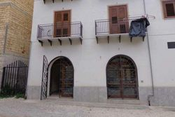 Negozio (subalterno 5) in centro storico - Lotto 3532 (Asta 3532)