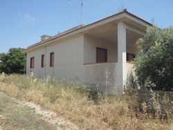 Casa unifamiliare con terreno - Lotto 3629 (Asta 3629)