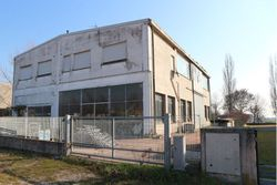 Capannone commerciale con alloggio custode - Lotto 3633 (Asta 3633)