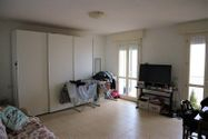 Immagine n0 - 1/2 share of studio with loggia in building - Asta 3643