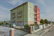 Immagine n1 - Quota 1/2 of garage in residential building - Asta 3644