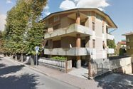Immagine n1 - 1/2 share of apartment (sub 7) with cellar - Asta 3645