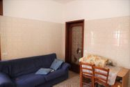 Immagine n2 - 1/2 share of apartment (sub 7) with cellar - Asta 3645
