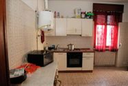Immagine n3 - 1/2 share of apartment (sub 7) with cellar - Asta 3645