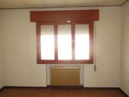 Immagine n9 - Single-family house with building land - Asta 3670