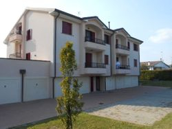 Apartment with garage. First floor - Lot 375 (Auction 375)