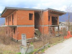 Unfinished building with land of relevance - Lote 3851 (Subasta 3851)