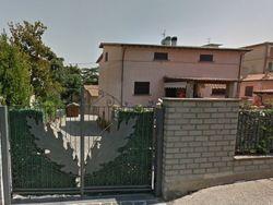 Casa indipendente con giardino esclusivo - Lotto 3896 (Asta 3896)