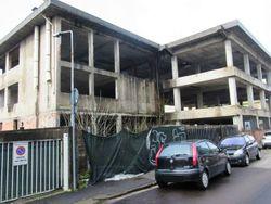 Area edificabile con edificio grezzo