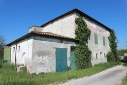 Former farm buildings with courtyards - Lot 4061 (Auction 4061)
