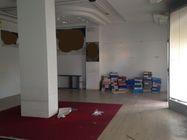 Immagine n0 - Negozio al piano terra e magazzino interrato - Asta 441
