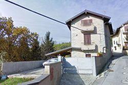 Villetta indipendente con laboratorio e terreno