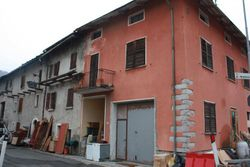 Complesso residenziale con terreno - Lotto 4450 (Asta 4450)