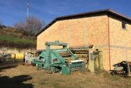 Immagine n0 - Edificio commerciale e quota di terreno agricolo - Asta 4477