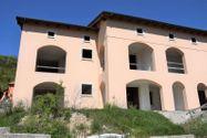 Immagine n4 - Edificio sin terminar con siete apartamentos y estacionamientos - Asta 4498