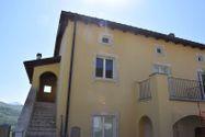 Immagine n0 - Appartamento con sottotetto e posto auto - Asta 4501