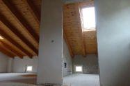 Immagine n18 - Appartamento con sottotetto e posto auto - Asta 4501