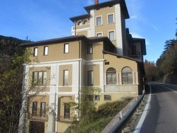 Built hotel in the mountains - Lote 458 (Subasta 458)