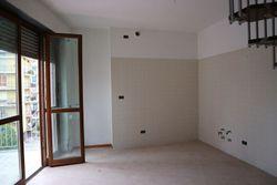 Appartamento con posto auto - sub 69