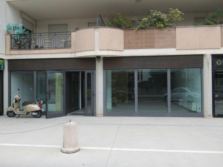 #4628 Negozio in complesso residenziale (sub 81)