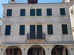 Appartamento ristrutturato in centro storico - Lotto 4632 (Asta 4632)