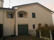 Immagine n0 - House and garage. Civic 20 - Asta 464