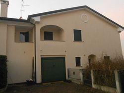 Porzione di trifamiliare e garage. Civico 20 - Lotto 464 (Asta 464)