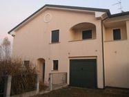 Immagine n0 - Porzione di trifamiliare e garage. Civico 18 - Asta 465